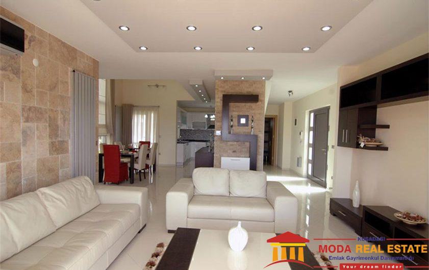 Beautiful detached villa very close to beach and shopping mall in Kusadasi