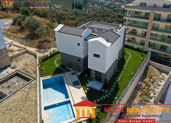 Private villa with pool and garage in Kusadasi center, Ege Mahallesi