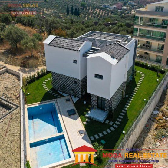 Private villa with pool and garage in Kusadasi center, Ege Mahallesi