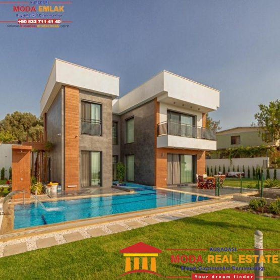 OUTSTANDING, LUXURIOUS 5-BEDROOM VILLA WITH POOL AND SEA VIEW